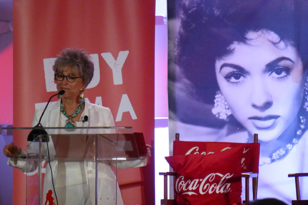 TV Find: Rita Moreno receives 2015 Kennedy Center Honors (+ Video)
