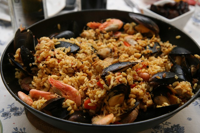 Video Pick: How to cook spanish paella (more info at www.hispanichouston.com)