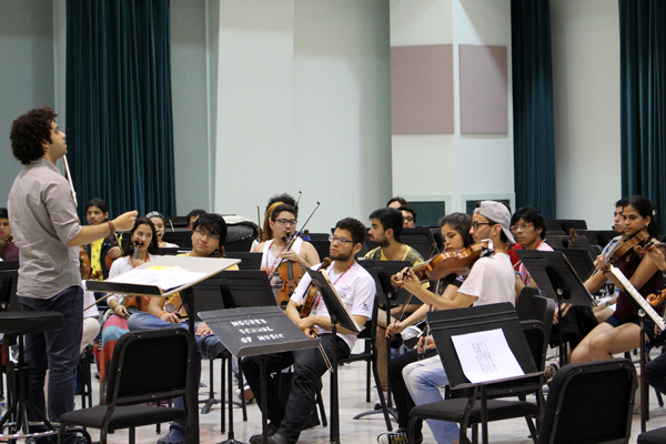 Colombian Youth Philharmonic and the Houston Symphony perform Carmina Burana + Video