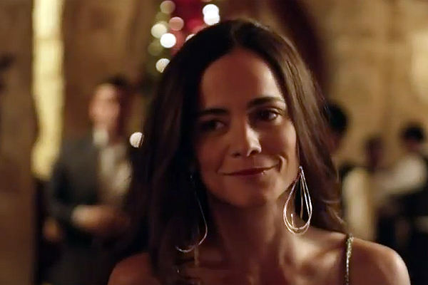 "A great reason to watch ""La Reina del Sur"" — USA producing ""Queen of The South"""