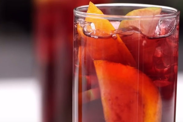 """Video Pick: """"Classic Sangria for a Crowd"""" from Martha Stewart"""