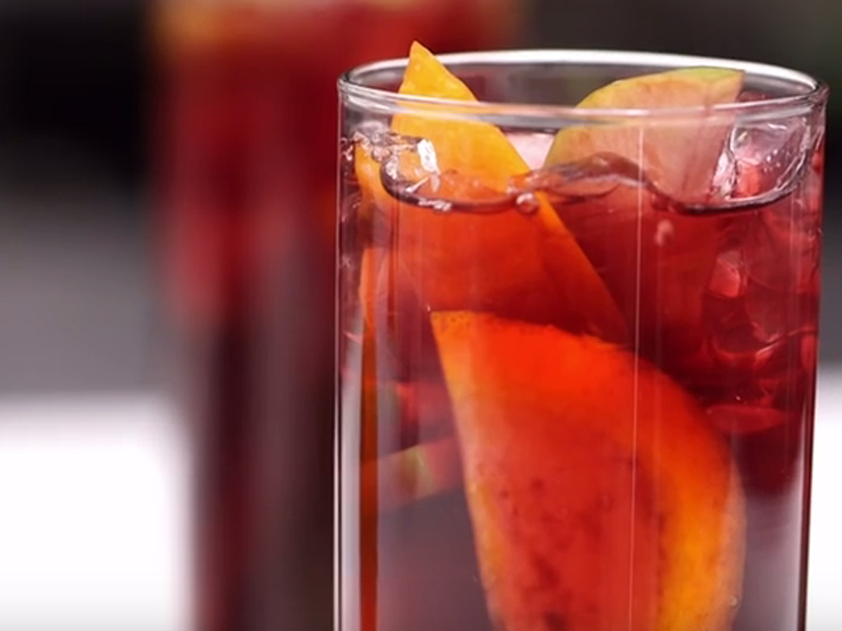 "Video Pick: ""Classic Sangria for a Crowd"" from Martha Stewart"