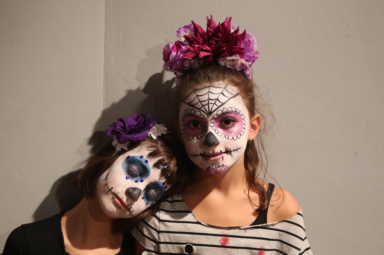 MECA's 2016 Calavera Rendezvous on Friday, October 21, 2016 (hispanichouston.com)
