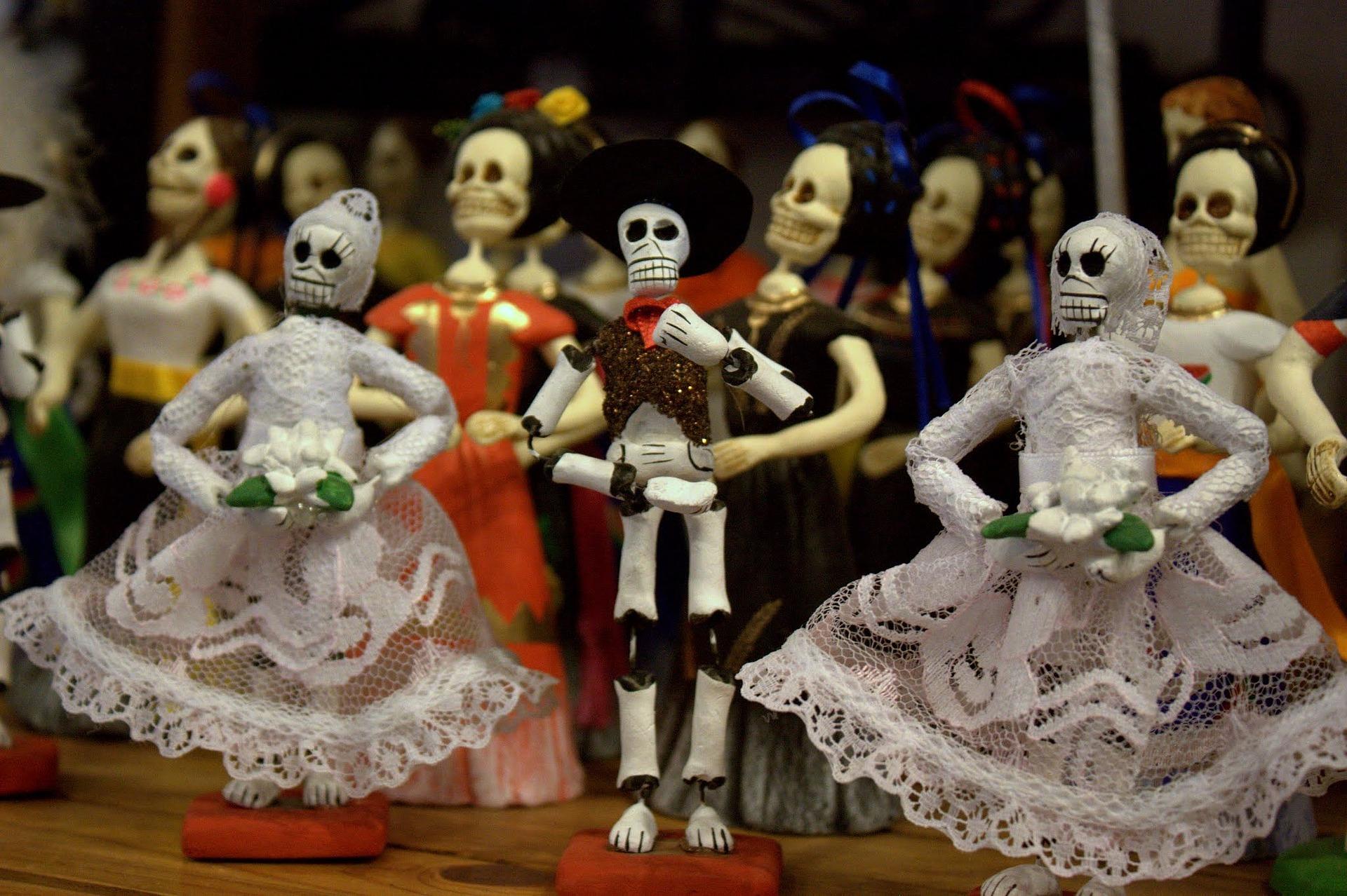 MECA Día de los Muertos Ofrendas (Altar) Exhibition